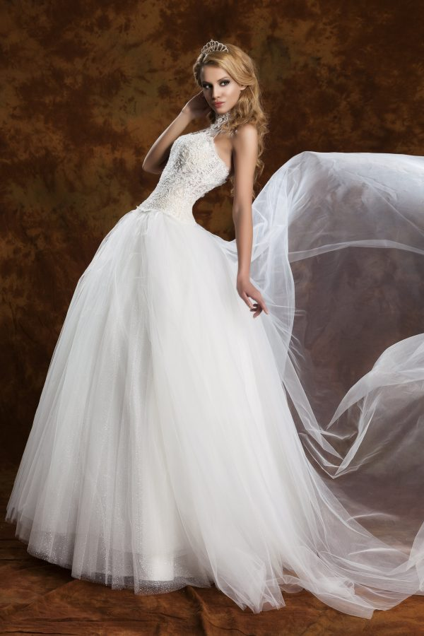Сватбена рокля модел 1302