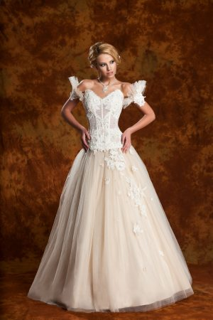 Сватбена рокля модел 1309